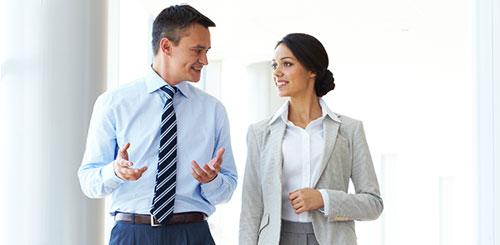Relaciones románticas en el trabajo: ¿deben prohibirse o permitirse?